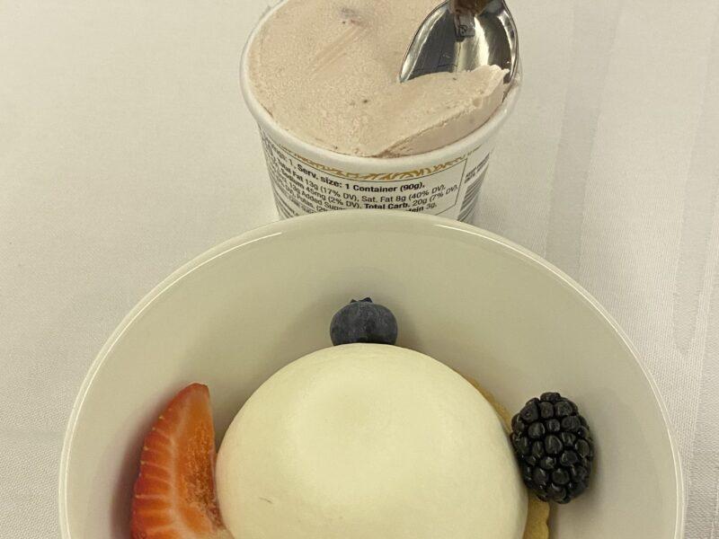 ice cream om PAL flight